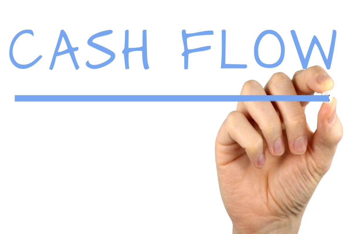 understanding cash flows 2 current topic banks' cash flow statements biatec, volume xii, 12/2004 monitoring the cash flows of a business.